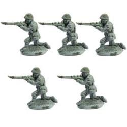 Line Infantrymen kneeling, firing